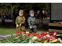Наши деды нам подарили День Победы!